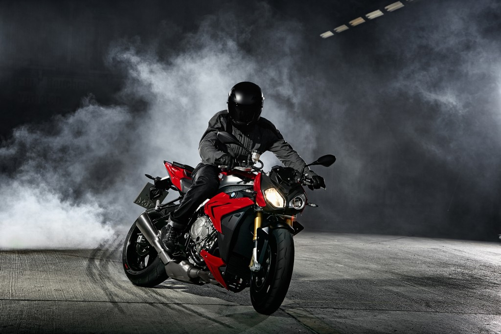 2014-bmw-s1000r-even-more-evil-than-the-rr-photo-gallery 5-1024x683