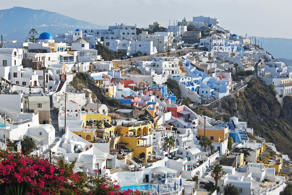 the-colors-of-santorini01