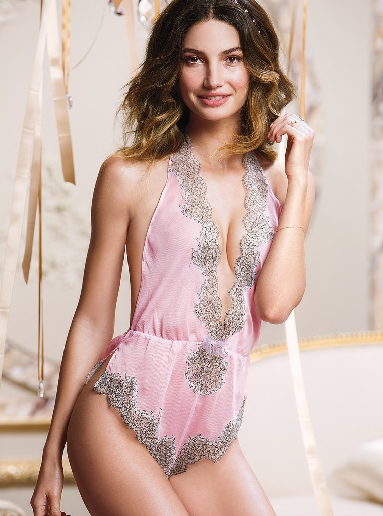 Lily-Aldridge-VS-lingerie-10