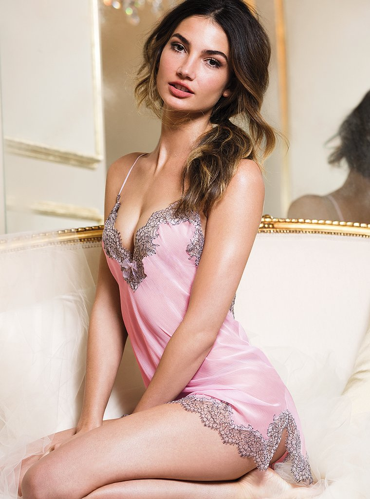 Lily-Aldridge-VS-lingerie-16