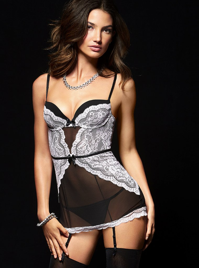 Lily-Aldridge-VS-lingerie-2