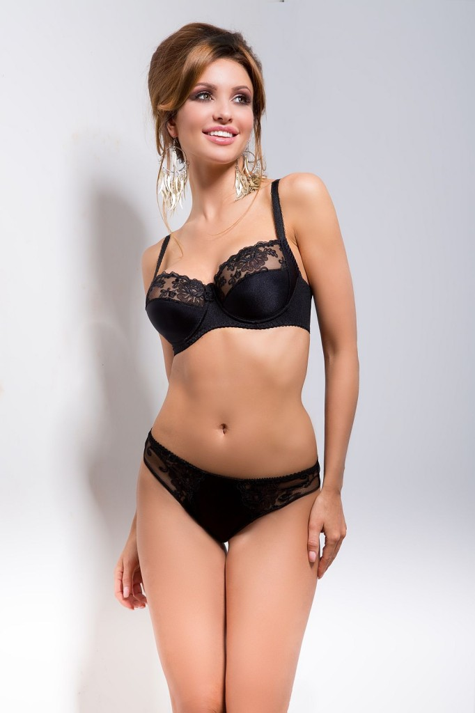 Monika-Pietrasinska-Hamana-Lingerie-7-682x1024