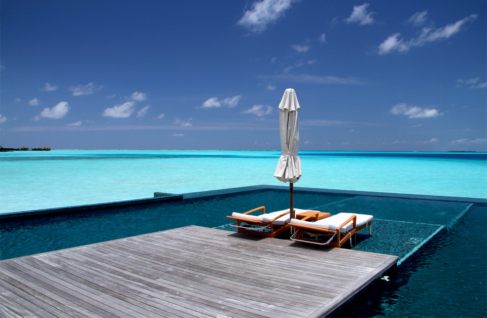 7pool-in-the-sea-rangali-island-maldives