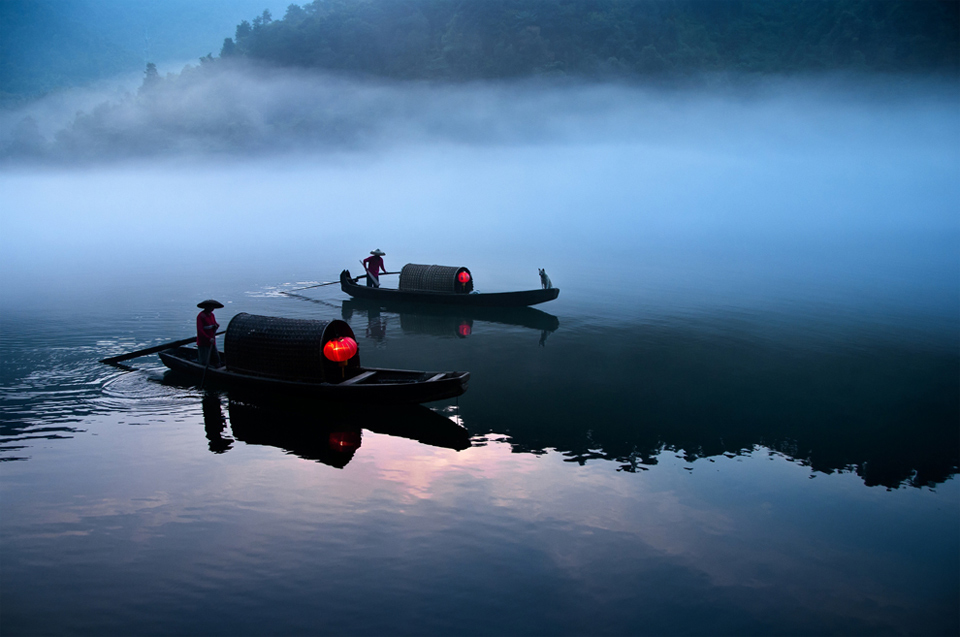 10river-ferry-at-work-china