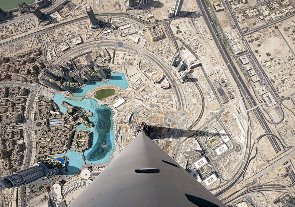11view-from-the-top-of-burj-khalifa-dubai
