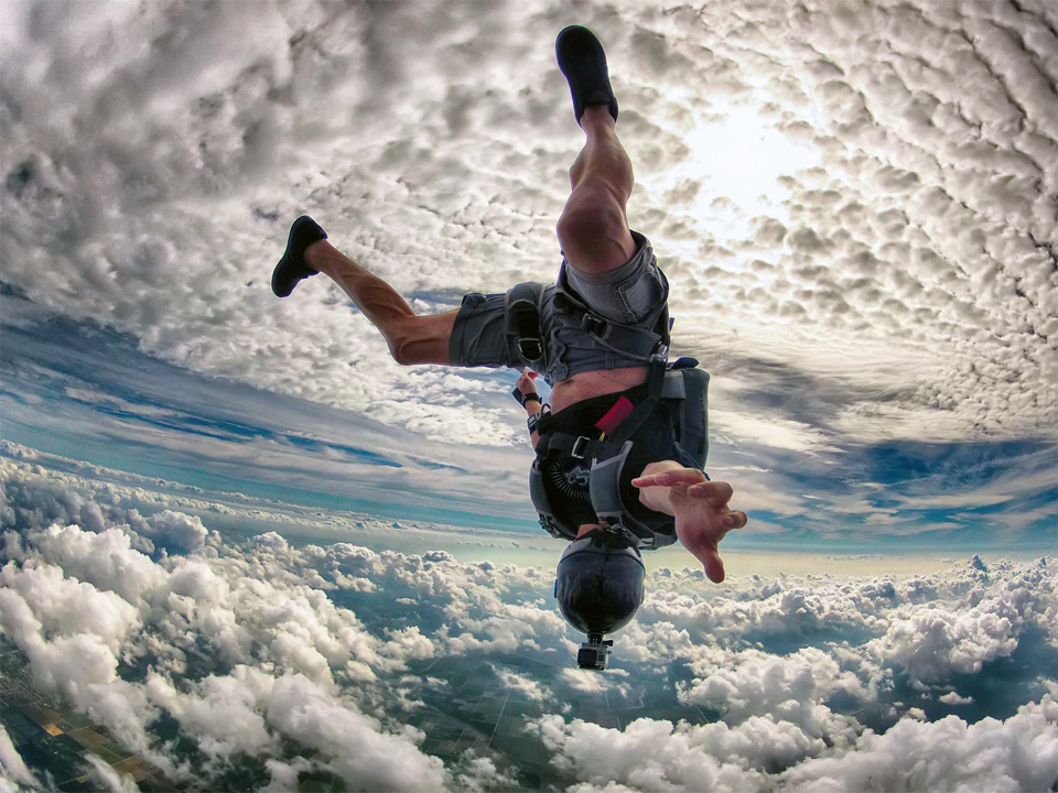 1crazy-skydiving-over-miami