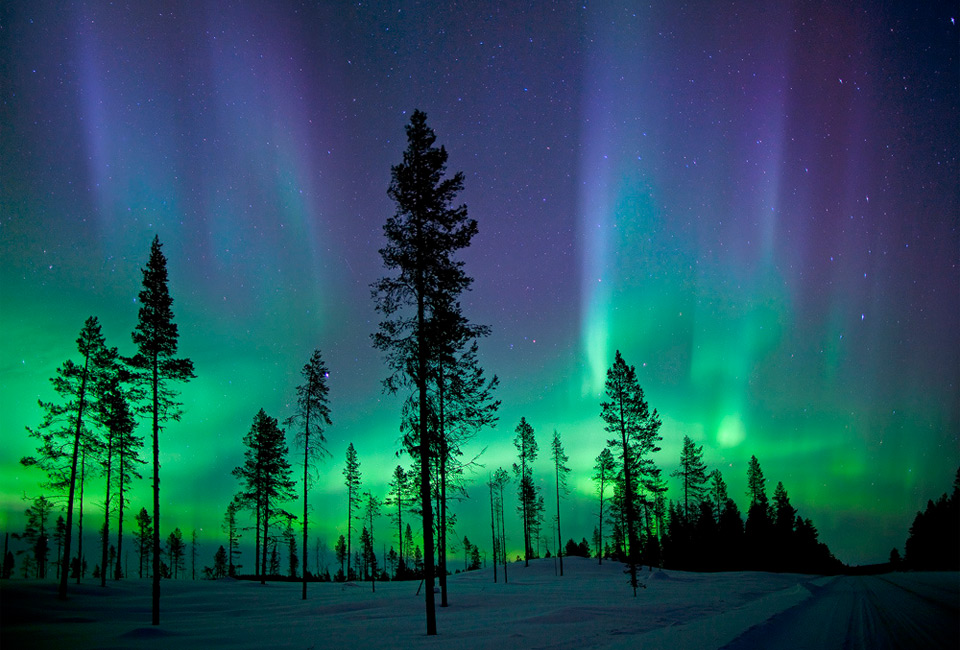 3northern-lights-over-kiruna-sweden