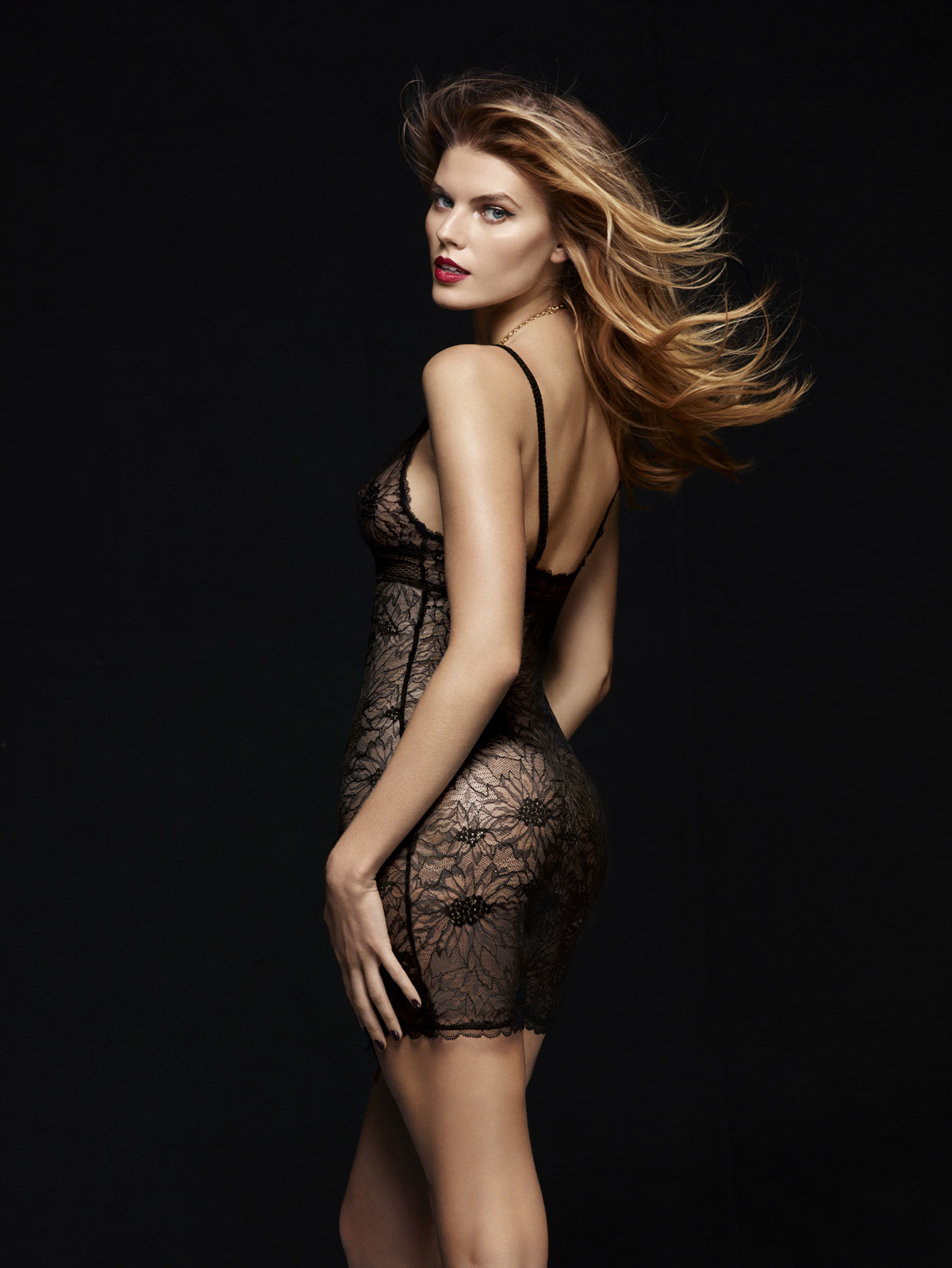 Maryna-Linchuk-Chantelle-lingerie-3