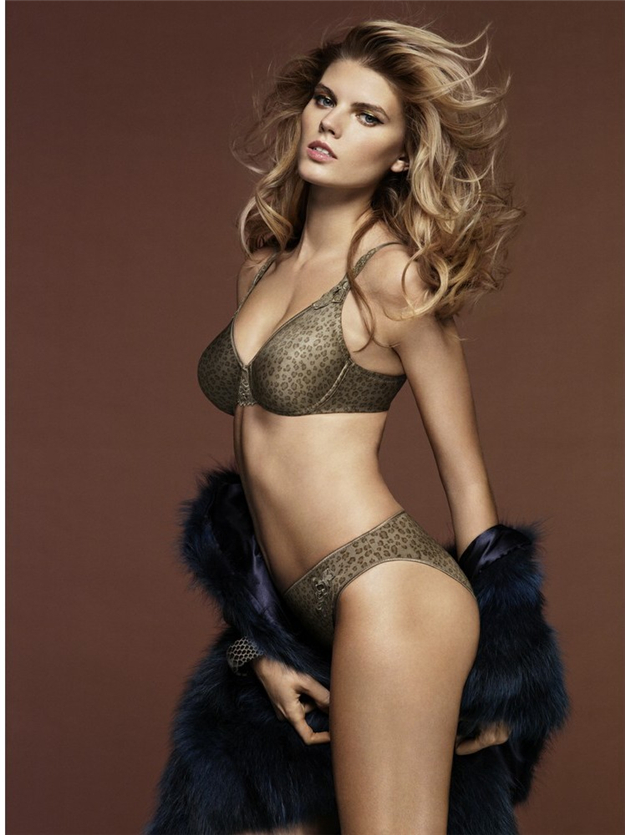 Maryna-Linchuk-Chantelle-lingerie-5
