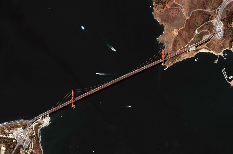 11golden-gate-bridge-seen-from-space
