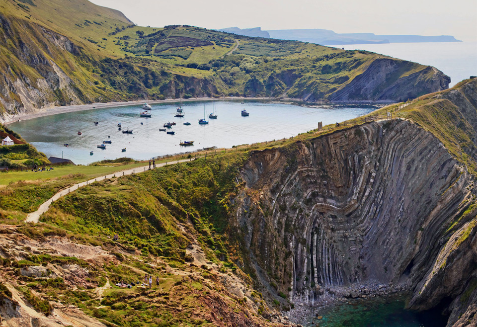 24lulworth-cove-along-jurassic-coast-england