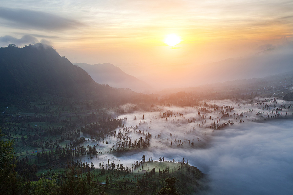 30mount-bromo-sunrise