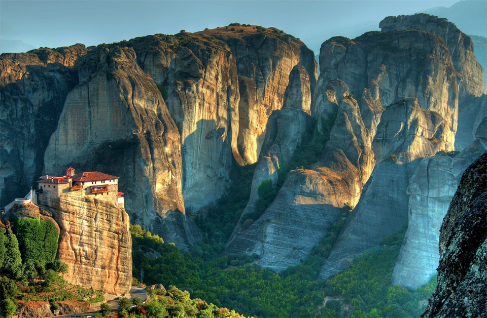 39meteora-monasteries-greece