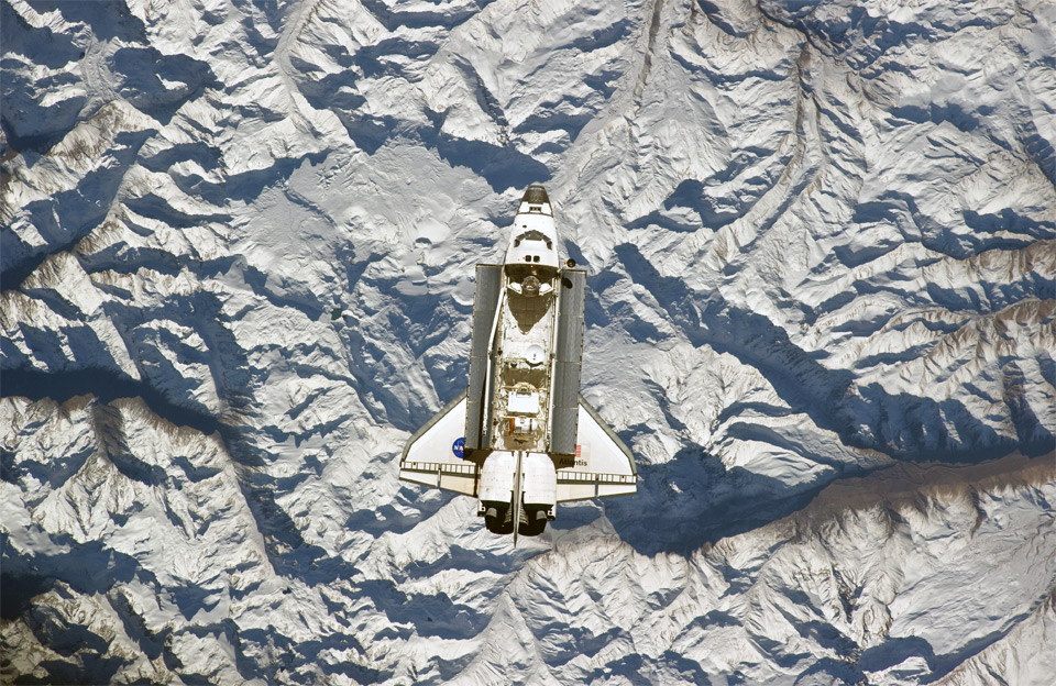 58space-shuttle-over-the-andes-mountains