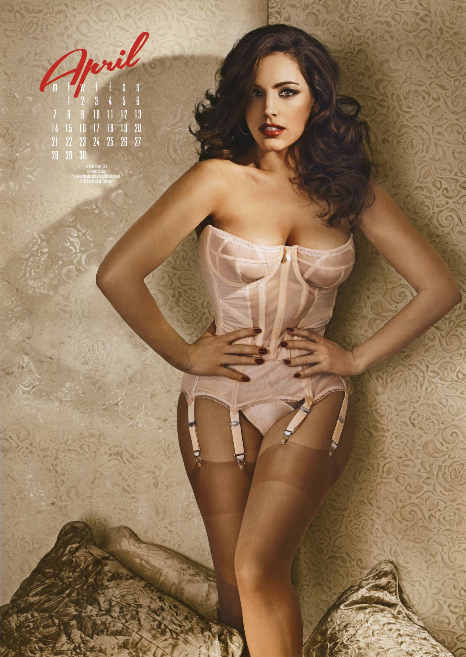 Kelly-Brook-2014-calendar-2