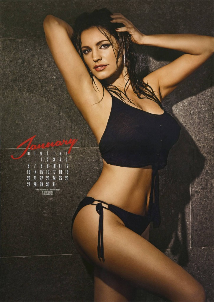 Kelly-Brook-2014-calendar-4-725x1024