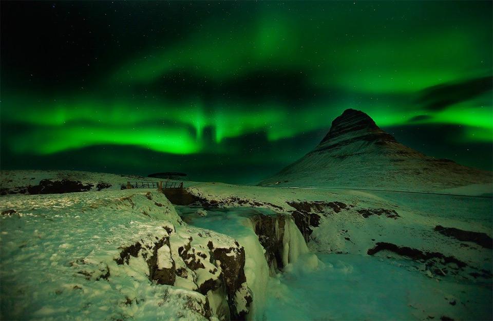 19aurora-over-iceland Природа «ледяной страны» - 35 пейзажных фотографий Исландии
