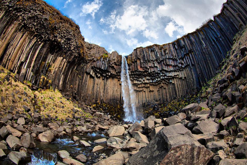 23svartifoss-waterfall-iceland Природа «ледяной страны» - 35 пейзажных фотографий Исландии