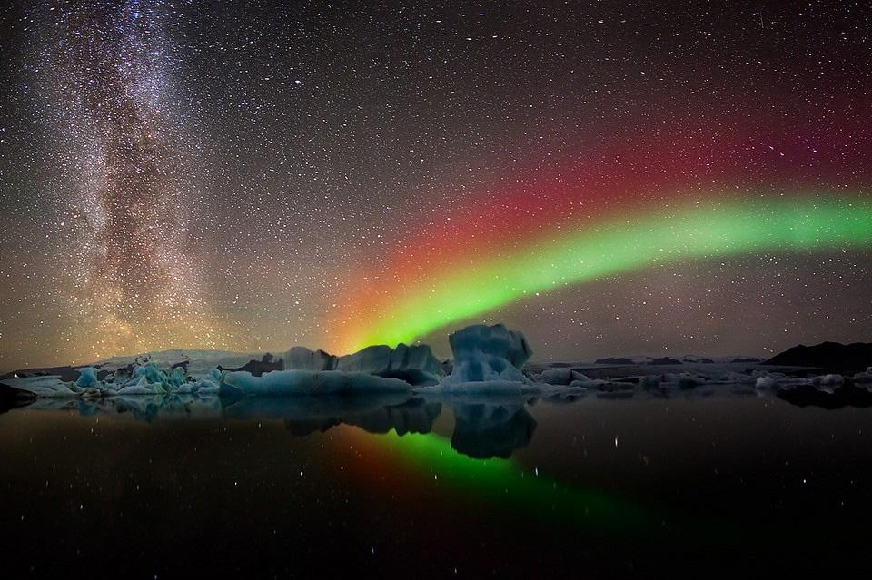 33colors-of-aurora-borealis Природа «ледяной страны» - 35 пейзажных фотографий Исландии