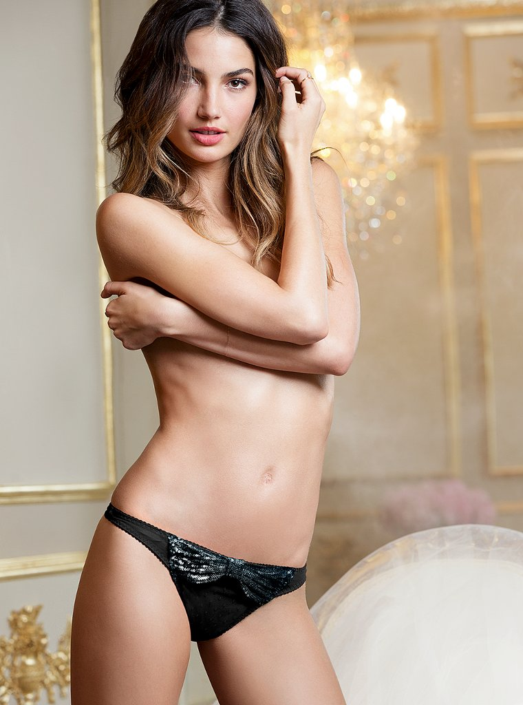 Lily-Aldridge-VS-lingerie-12