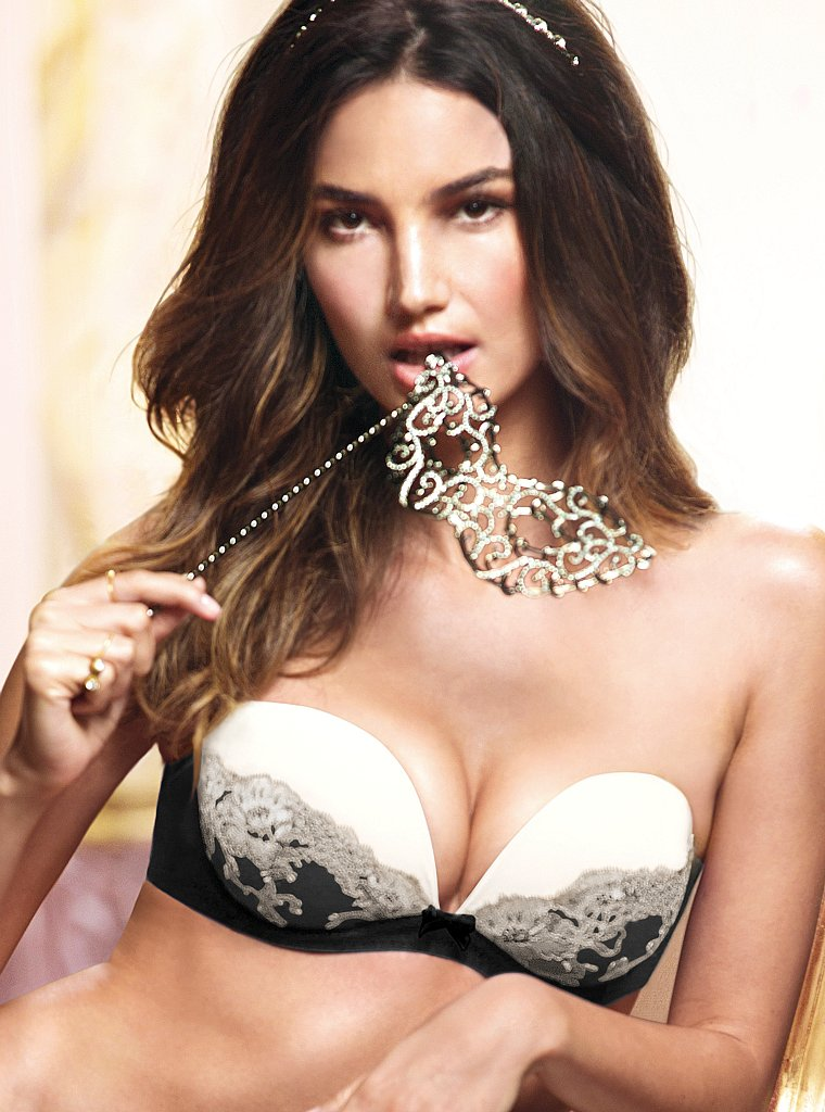 Lily-Aldridge-VS-lingerie-23