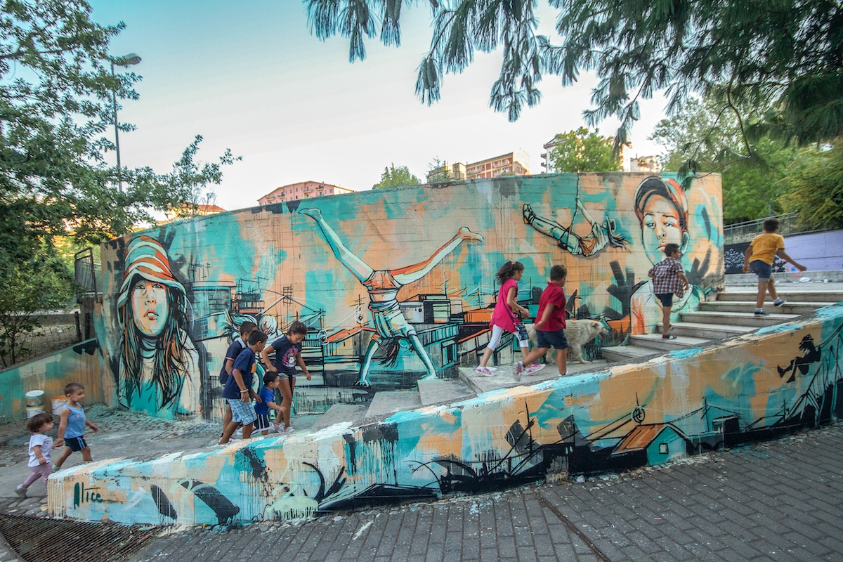 By Alice Pasquini In Barile, Potenza, Italy on Cantinando 2012