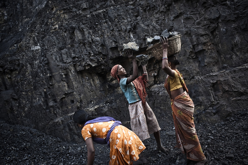 Hell Beneath Earth – Jharia Coal Mines by Sanjit Das