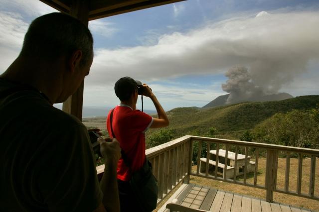 Вулкан Суфриер-Хиллс на острове Монтсеррат