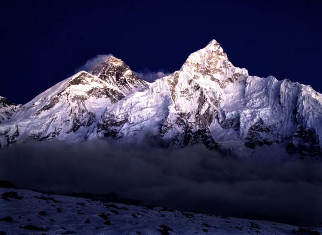 Эверест: 30 величественных