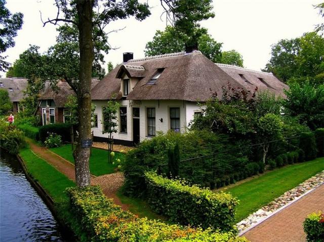 Деревня Гитхорн – уютная и живописная «Голландская Венеция»