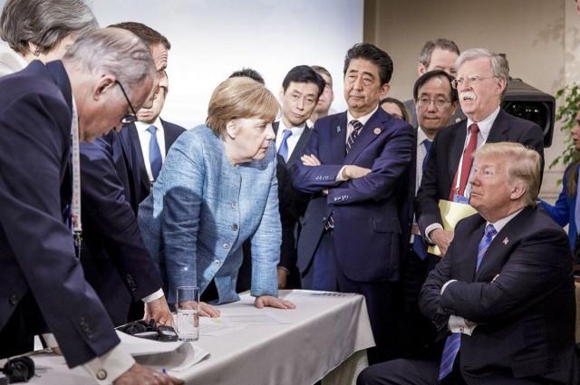 Трамп на саммите G7: как меняется смысл фотографии в зависимости от угла съёмки