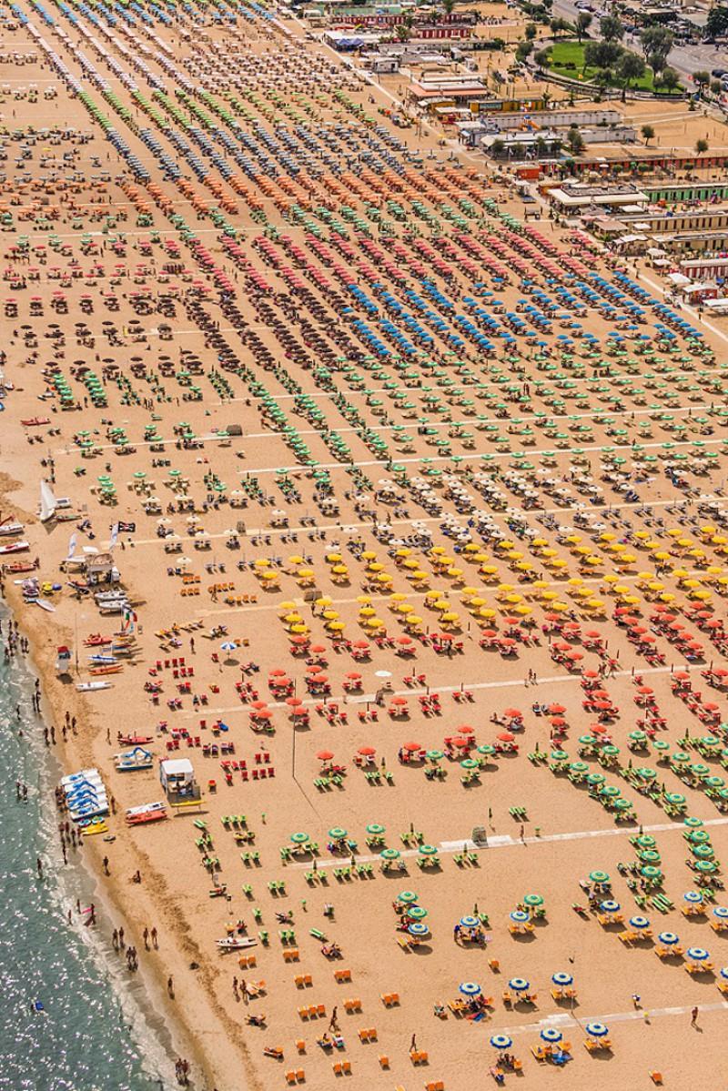 Пляжи Адриатического побережья с высоты птичьего полёта в аэрофотографиях Бернхарда Ланга