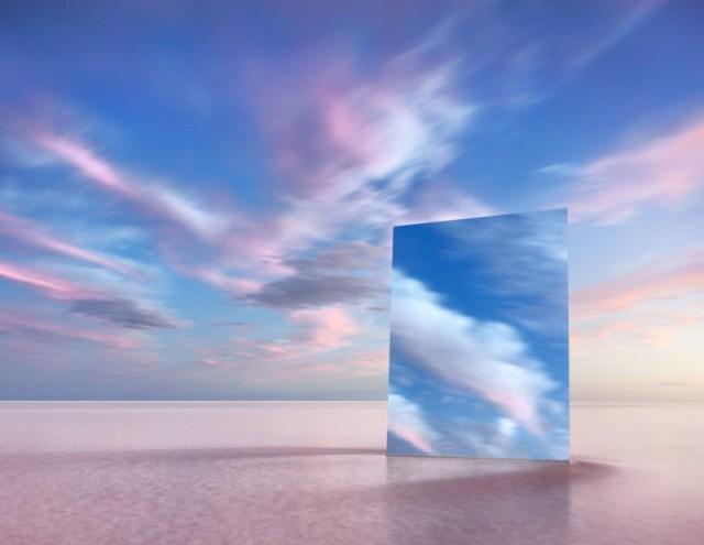 «Тщеславие»: австралийский фотограф снял пейзажи с огромным зеркалом в солончаке