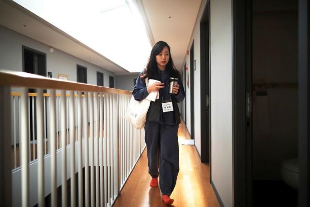 Выходные в тюремной камере: как южнокорейцы сбегают от современной жизни