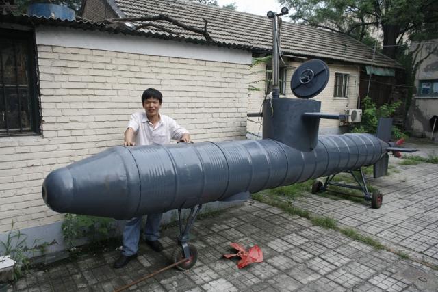 Что делают китайцы в домашних условиях - от подводной лодки до вертолета