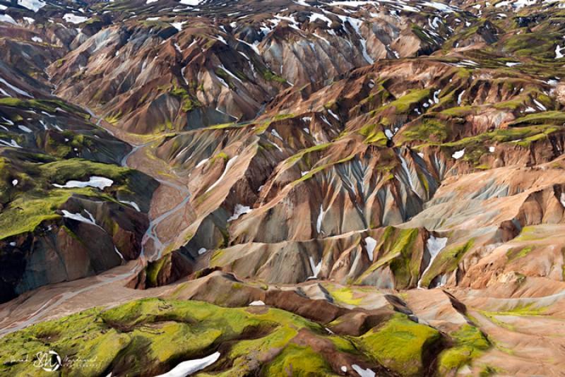 Пейзажи Исландии в аэрофотографиях Сары Мартинет