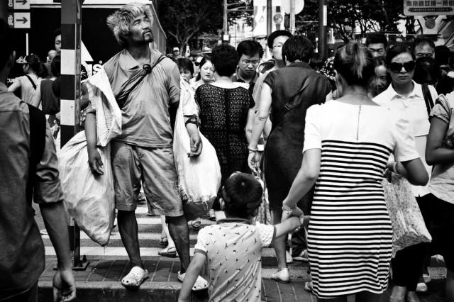 Голый город: затеряться в Шанхае с уличным фотографом Лю Тао