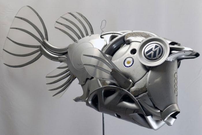 Скульптуры из автомобильных дисков от Птолемея Элрингтона
