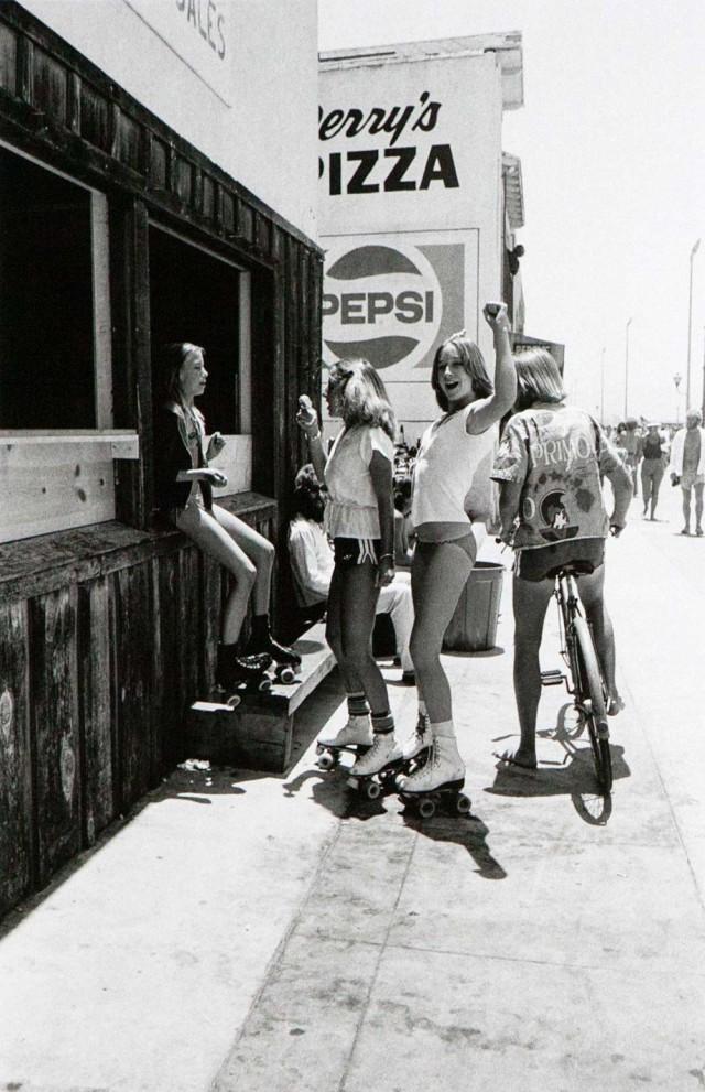 Пляжная жизнь Южной Калифорнии 60-х: олдскульные скейтеры и основатели хардкор-панка