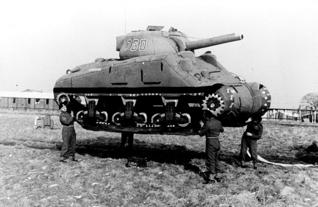 Резиновые танки: как хитрили на войне с не очень тяжёлой техникой. Фотографии 1918-1954 годов