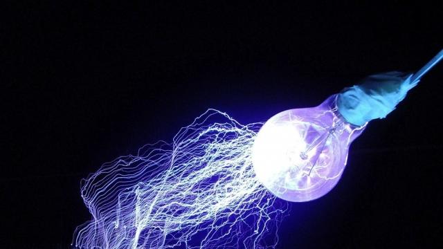 Технология Li-Fi - ультра скоростной беспроводной интернет через свет от лампочки