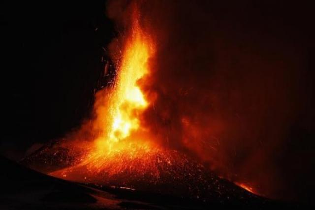 Извержение вулкана Этна в фотографиях Антонио Парринелло (Antonio Parrinello)