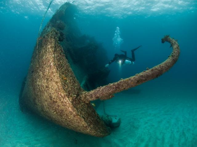 Дайвинг к затонувшим кораблям - 37 подводных фото