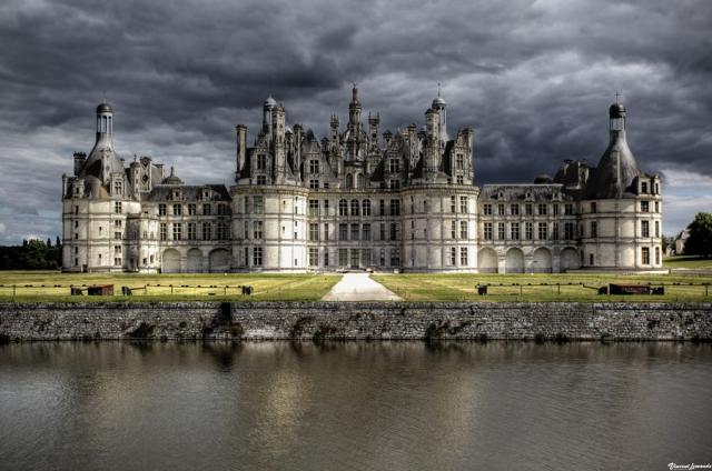 Дворцы, замки и крепости со всего мира (29 фото)