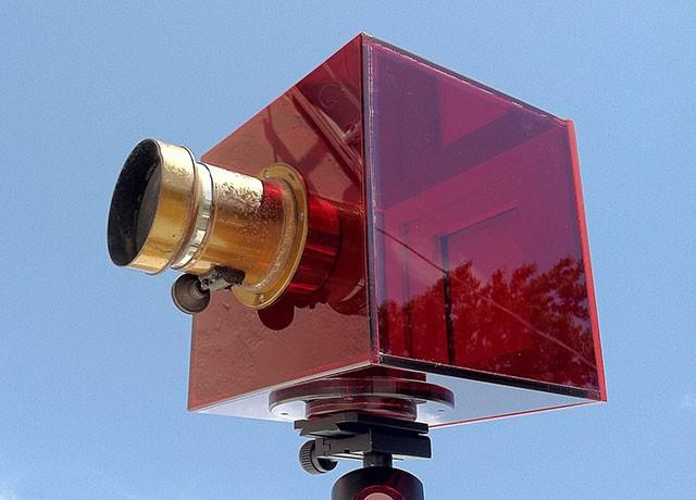 CLERA – первая в мире прозрачная функциональная фотокамера