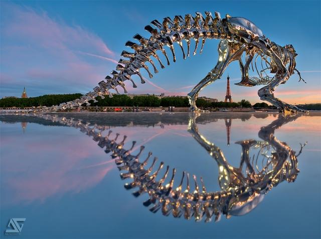 Гигантский скелет тираннозавра в Париже от Филиппа Паскуа (Philippe Pasqua)