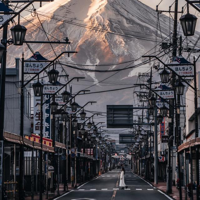 Снимки японского фотографа, сочетающие традиционную и современную культуру
