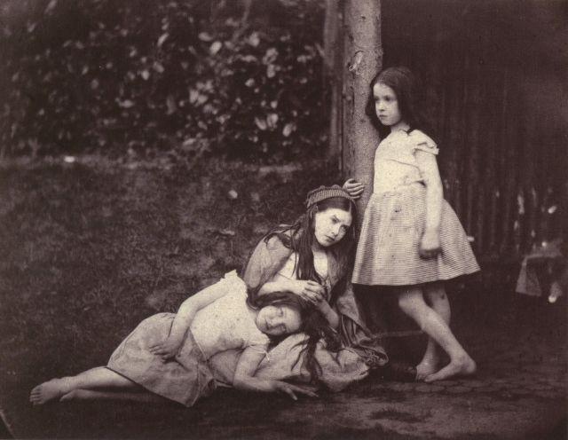 Как фотографировал девочек писатель Льюис Кэрролл