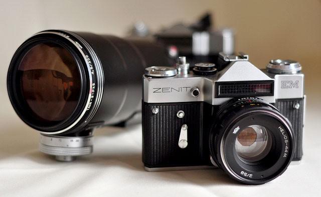 Культовый советский фотоаппарат «Зенит» возвращается