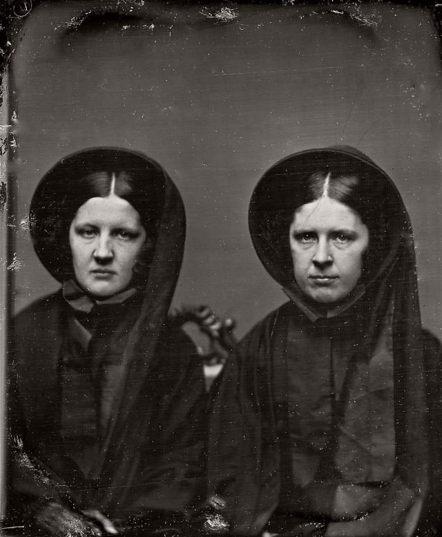 Старинные дагеротипы вдов викторианской эпохи в трауре